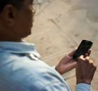 bangalore wikipedian on phone