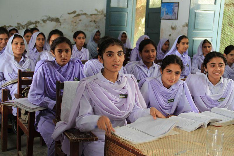 Girls in school in Khyber Pakhtunkhwa, Pakistan. By DFID - UK Department for International Development.